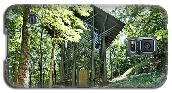 Galaxy S5 Case featuring the photograph Approaching Thorncrown Chapel by Cricket Hackmann