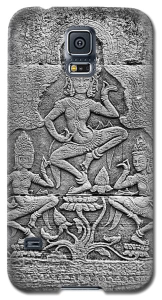 Galaxy S5 Case featuring the photograph Apsaras 3, Angkor, 2014 by Hitendra SINKAR