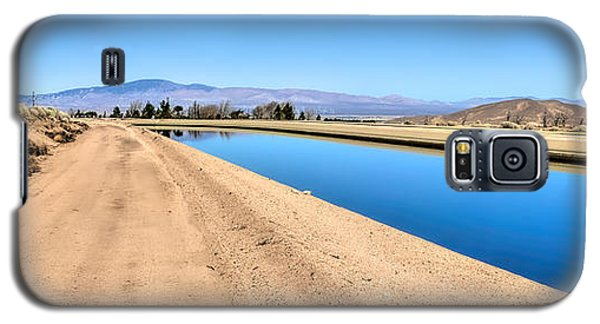 Aqueduct And The Tehachapi Mountains Galaxy S5 Case