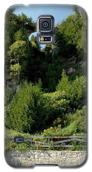 Galaxy S5 Case featuring the photograph Arch Rock Mackinac Island by LeeAnn McLaneGoetz McLaneGoetzStudioLLCcom