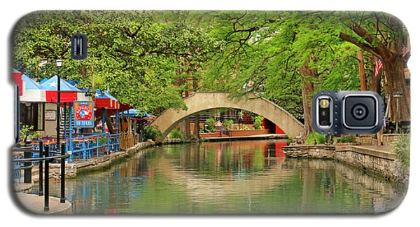 Galaxy S5 Case featuring the photograph Arched Bridge Reflection - San Antonio by Art Block Collections