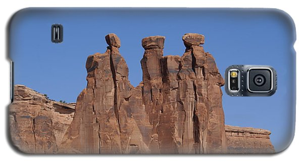 Galaxy S5 Case featuring the photograph Arches National Park by Cynthia Powell