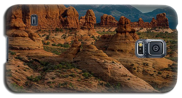 Galaxy S5 Case featuring the photograph Arches National Park by Gary Lengyel