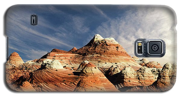 Galaxy S5 Case featuring the photograph Arizona North Coyote Buttes by Bob Christopher