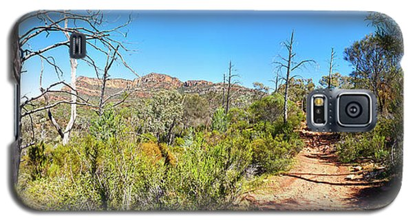 Galaxy S5 Case featuring the photograph Arkaroo Rock Hiking Trail.wilpena Pound by Bill Robinson