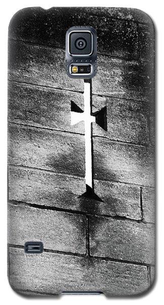 Arrow Slit Galaxy S5 Case