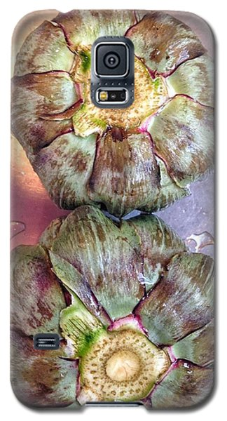Galaxy S5 Case featuring the photograph Artichokes In The Sink by Olivier Calas