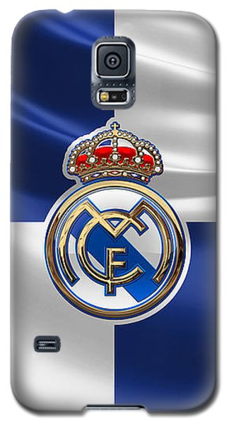 Real Madrid C F - 3 D Badge Over Flag Galaxy S5 Case