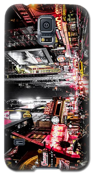 Galaxy S5 Case featuring the photograph New York City Night II by Nicklas Gustafsson