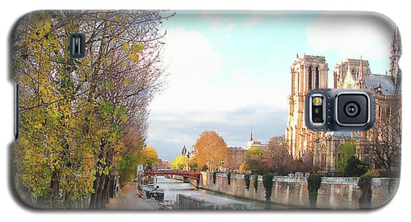 Galaxy S5 Case featuring the photograph The Seine And Quay Beside Notre Dame, Autumn by Felipe Adan Lerma