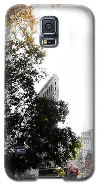 Galaxy S5 Case featuring the photograph Flatiron Autumn  by Nicklas Gustafsson