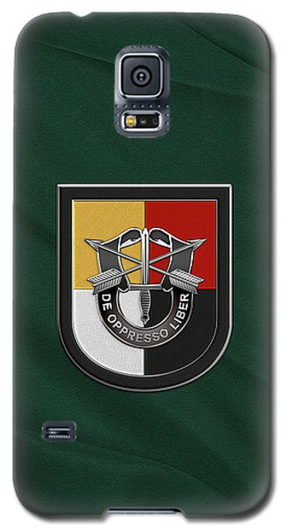 U. S.  Army 3rd Special Forces Group - 3  S F G  Beret Flash Over Green Beret Felt Galaxy S5 Case