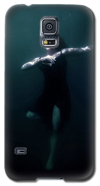 Galaxy S5 Case featuring the photograph Dancing Under The Water by Nicklas Gustafsson