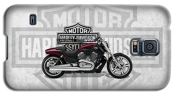 Galaxy S5 Case featuring the digital art 2017 Harley-davidson V-rod Muscle Motorcycle With 3d Badge Over Vintage Background  by Serge Averbukh