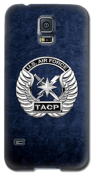 Galaxy S5 Case featuring the digital art U. S.  Air Force Tactical Air Control Party -  T A C P  Badge Over Blue Velvet by Serge Averbukh
