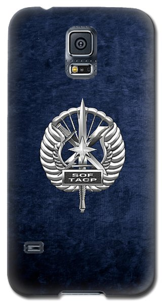 Galaxy S5 Case featuring the digital art U.s. Air Force Tactical Air Control Party - Special Tactics Tacp Crest Over Blue Velvet by Serge Averbukh