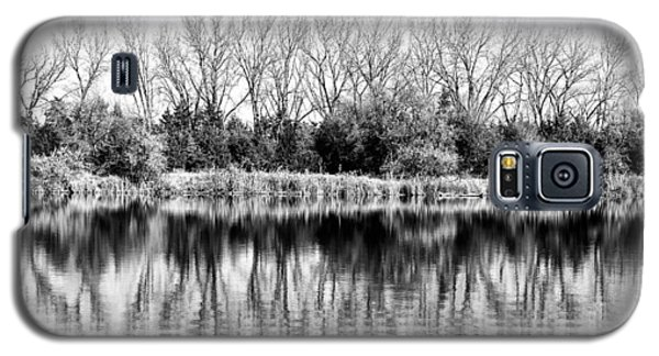 Galaxy S5 Case featuring the photograph Rippled Reflection by Bill Kesler