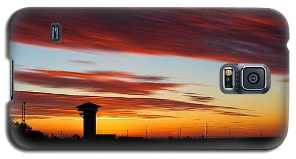 Sunrise Over Golden Spike Tower Galaxy S5 Case by Bill Kesler