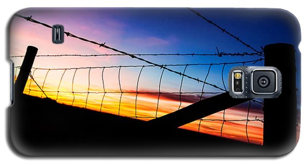 Galaxy S5 Case featuring the photograph Hilltop Sunset by Bill Kesler