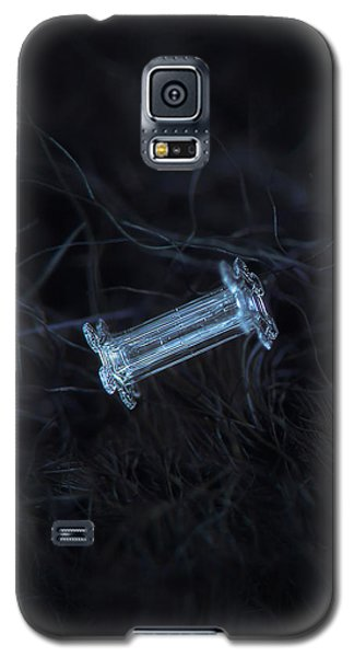 Snowflake Photo - Capped Column Galaxy S5 Case by Alexey Kljatov
