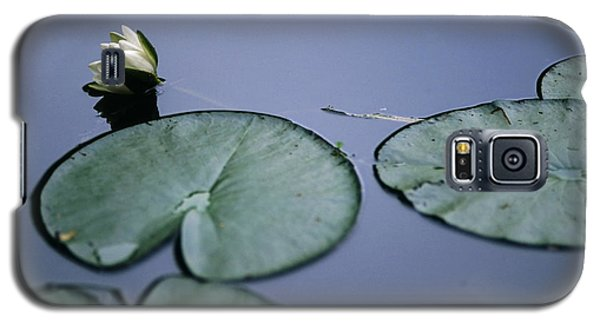 Galaxy S5 Case featuring the photograph At Claude Monet's Water Garden 2 by Dubi Roman