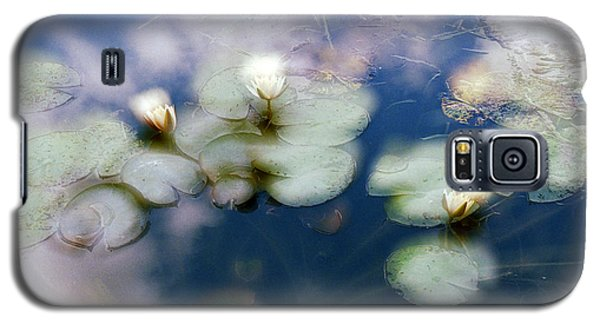 Galaxy S5 Case featuring the photograph At Claude Monet's Water Garden 4 by Dubi Roman