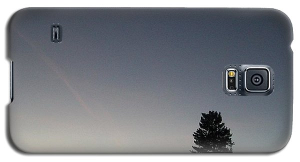 Galaxy S5 Case featuring the photograph At Dusk by Jewel Hengen