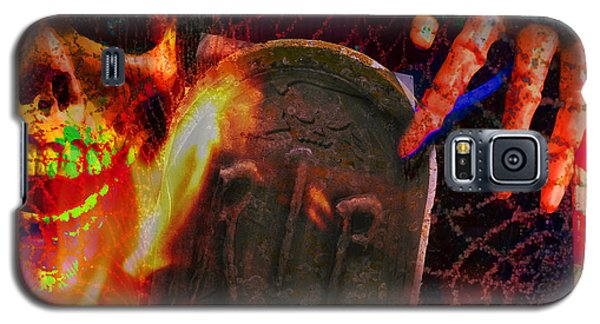 At Night In The Graveyard Galaxy S5 Case by LemonArt Photography
