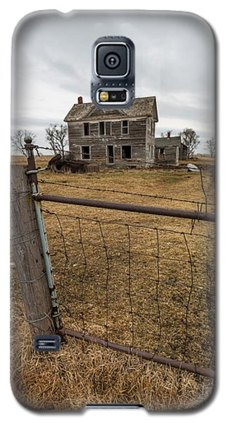 Galaxy S5 Case featuring the photograph At The Gate  by Aaron J Groen