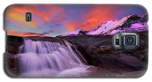 Galaxy S5 Case featuring the photograph Athabasca On Fire by Dan Jurak