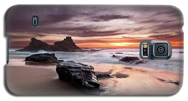 Galaxy S5 Case featuring the photograph Atlantic Seashore by Jorge Maia