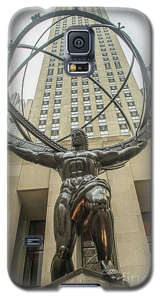Galaxy S5 Case featuring the photograph Atlas Rockefeller Center by Timothy Lowry
