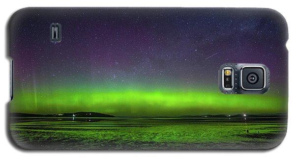 Galaxy S5 Case featuring the photograph Aurora Australia by Odille Esmonde-Morgan