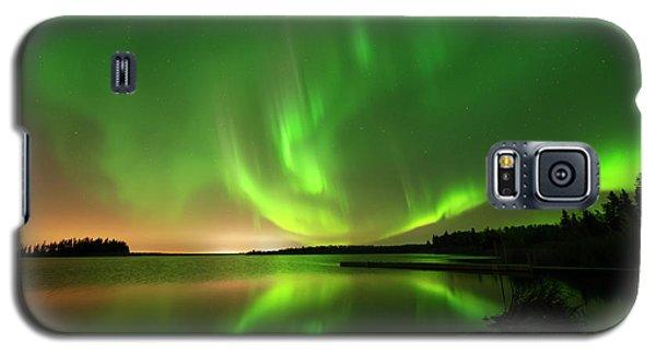 Aurora Borealis At Elk Island National Park Galaxy S5 Case by Dan Jurak