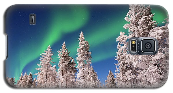 Galaxy S5 Case featuring the photograph Aurora Borealis by Delphimages Photo Creations
