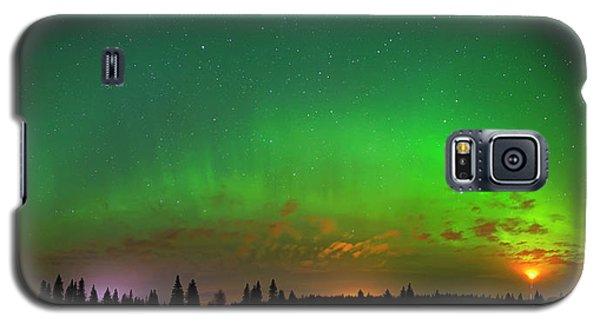 Aurora Over Pond Panorama Galaxy S5 Case
