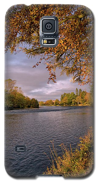 Galaxy S5 Case featuring the photograph Autumn Light By The River Ness by Jacqi Elmslie