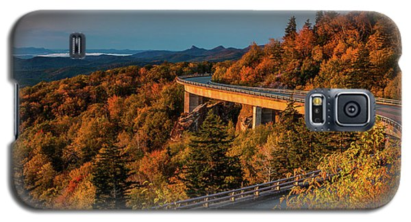 Morning Sun Light - Autumn Linn Cove Viaduct Fall Foliage Galaxy S5 Case