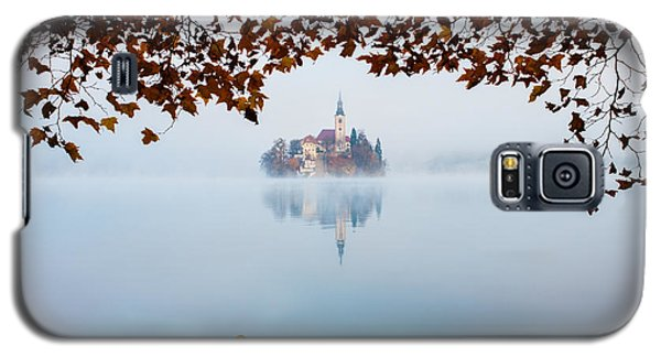 Autumn Mist Over Lake Bled Galaxy S5 Case by Ian Middleton