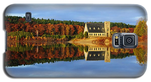 Autumn Sunrise At Wachusett Reservoir Galaxy S5 Case