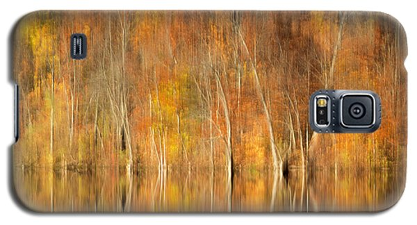 Galaxy S5 Case featuring the photograph Autumns Final Palette by Everet Regal