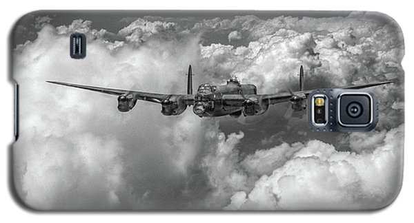 Avro Lancaster Above Clouds Bw Version Galaxy S5 Case by Gary Eason