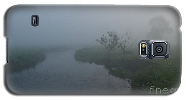 Galaxy S5 Case featuring the photograph Axe In The Mist by Gary Bridger