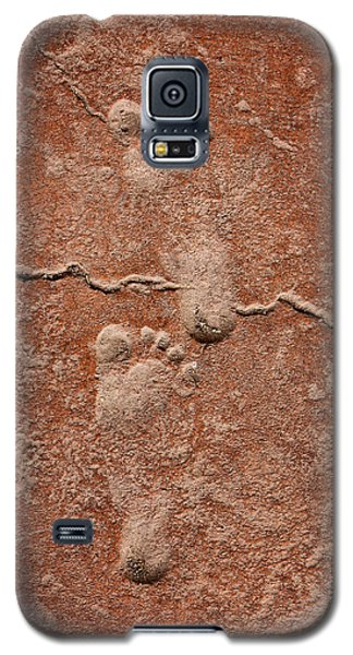 Baby Footsteps Etched In Stone Galaxy S5 Case by Tracie Kaska