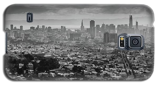 Back And White View Of Downtown San Francisco In A Foggy Day Galaxy S5 Case