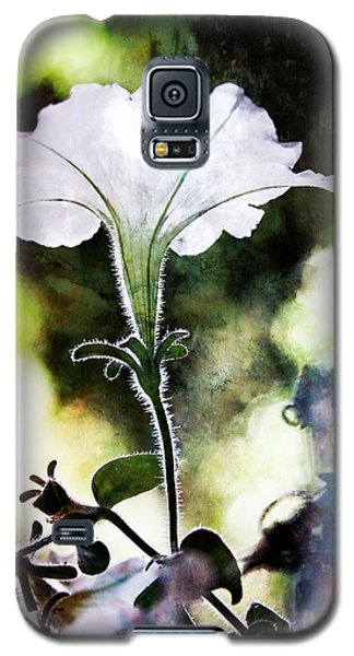 Backlit White Flower Galaxy S5 Case