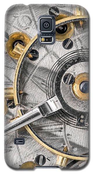 Balance Wheel Of An Antique Pocketwatch Galaxy S5 Case by Jim Hughes