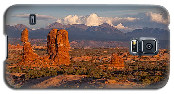 Balanced Rock And Summer Clouds At Sunset Galaxy S5 Case