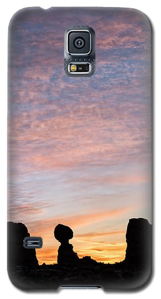 Balanced Rock At Sunrise Galaxy S5 Case
