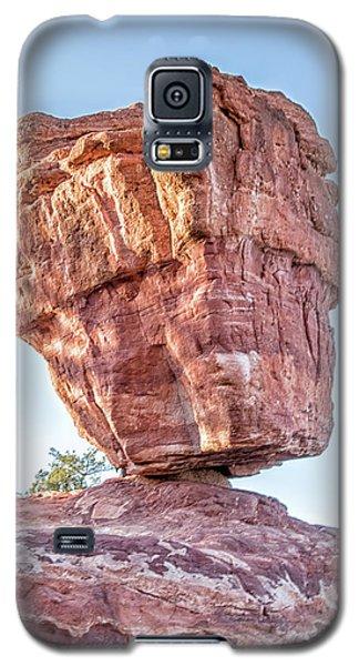 Galaxy S5 Case featuring the photograph Balanced Rock In Garden Of The Gods, Colorado Springs by Peter Ciro